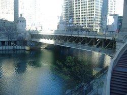密歇根大街桥