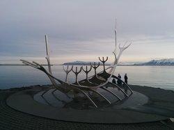 """""""太阳之舟""""雕像"""