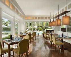Acqua at Shangri-La's Mactan Resort & Spa