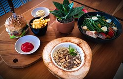 Wildflour Cafe' & Restaurant