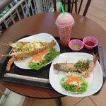 Food Court at Banzaan Fresh Market: Food Court at Banzaan Fresh Market照片