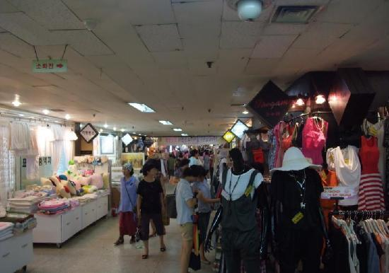 江南站地下购物中心