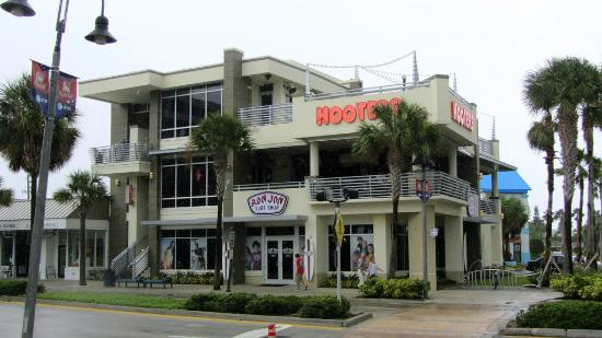 Hooters - Clearwater Beach