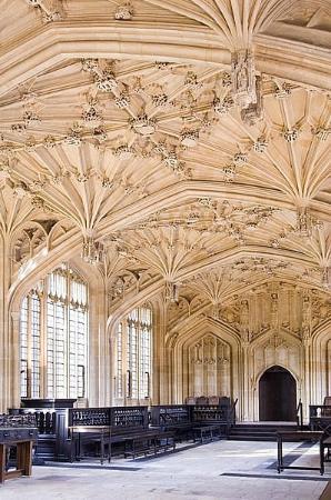 牛津大学博德利图书馆