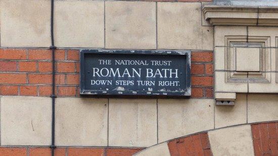 Strand Lane 'Roman' Bath, London