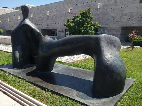 贝拉多现代及当代艺术博物馆