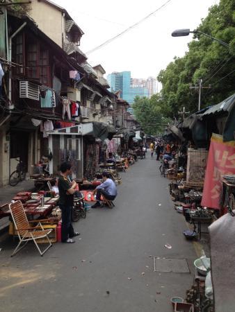 东台路古玩市场