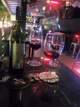 Gelleon Club & Bar