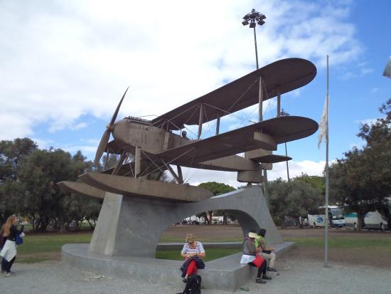 Sacadura Cabral and Gago Coutinho Monument