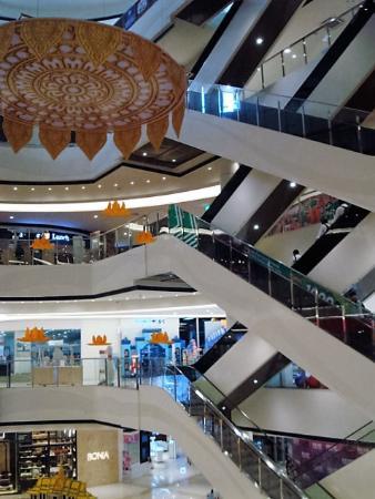 Finch Aeon Mall