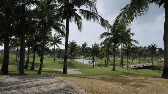 亚龙湾高尔夫球会