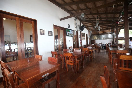 Doublegem Sunset Bar & Restaurant