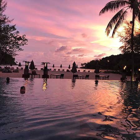 Breeze Bar - Anantara Layan Phuket Resort