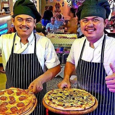 DOM Pizzas